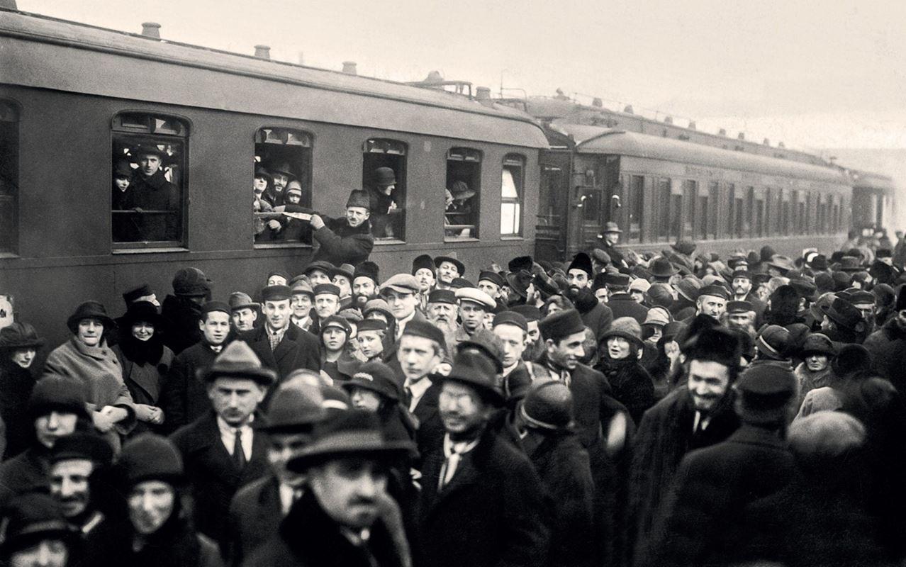 Wyjazd Żydów do Palestyny, Dworzec Główny, 1925