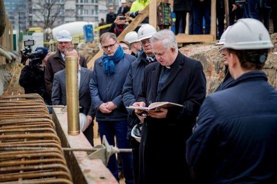 Wieżowiec Warszawa uroczyste wkopanie kamienia węgielnego pod Mennica Legacy Tower