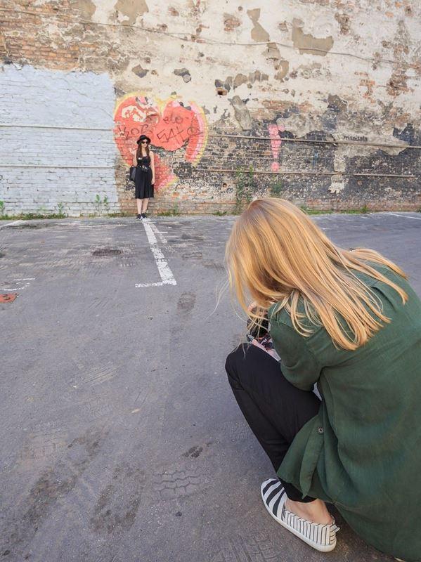 instameet canon warszawa zdjęcie przy ścianie