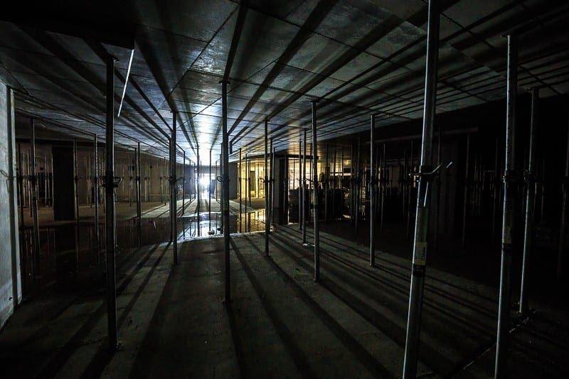 biura warszawa wola mennica legacy tower zdjęcie z placu budowy nocą