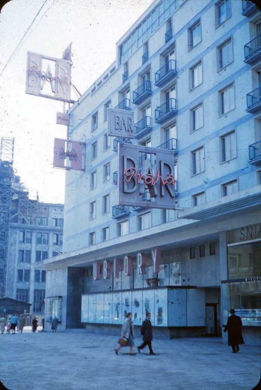Bar szybkiej obsługi Praha. Zamknięto go w 1990 r.