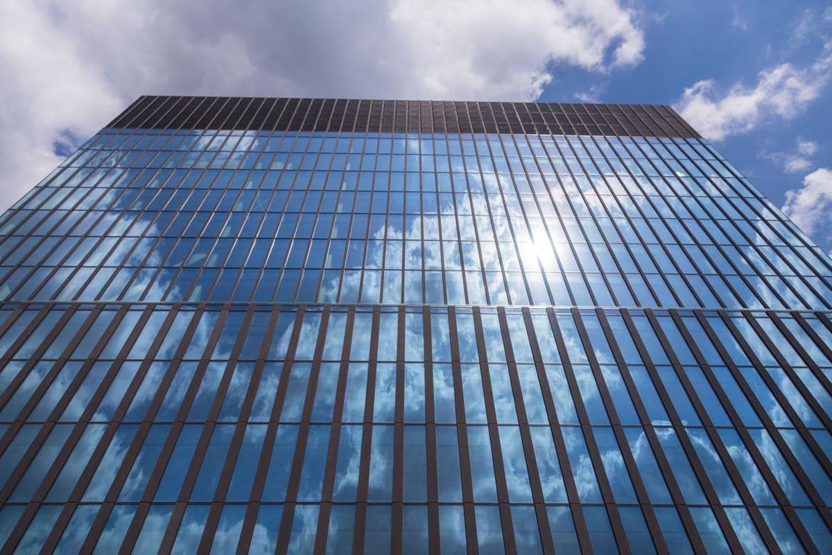 elewacja-ktw-i-wykonana-z-paneli-ze-szkla-stali-i-betonu-2