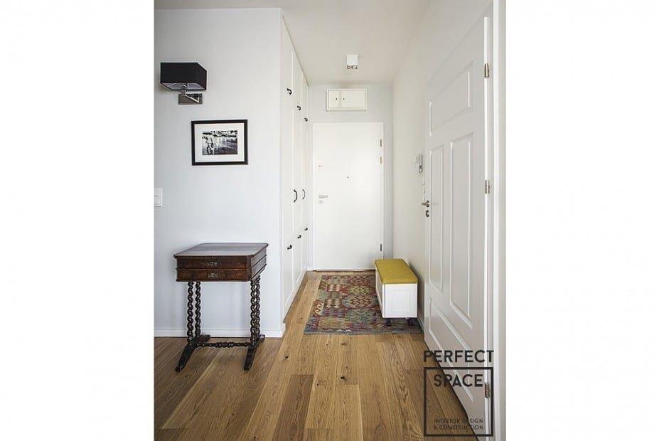 mieszkanie-wykonczone-pod-klucz-w-nowoczesnym-stylu-przedpokoj