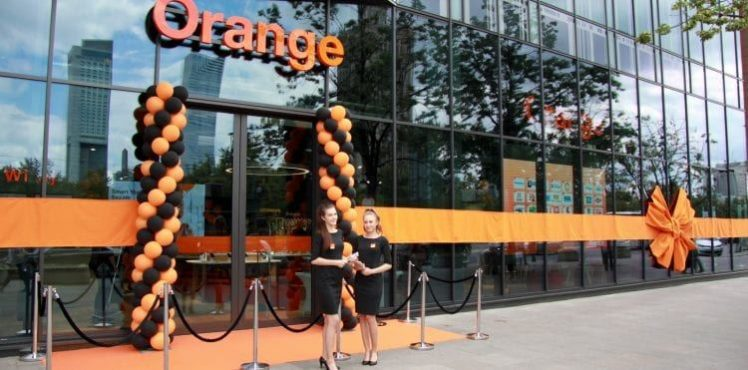 otwarcie-orange-smart-store-orange-polska-sezam-warszawa-2-750x371