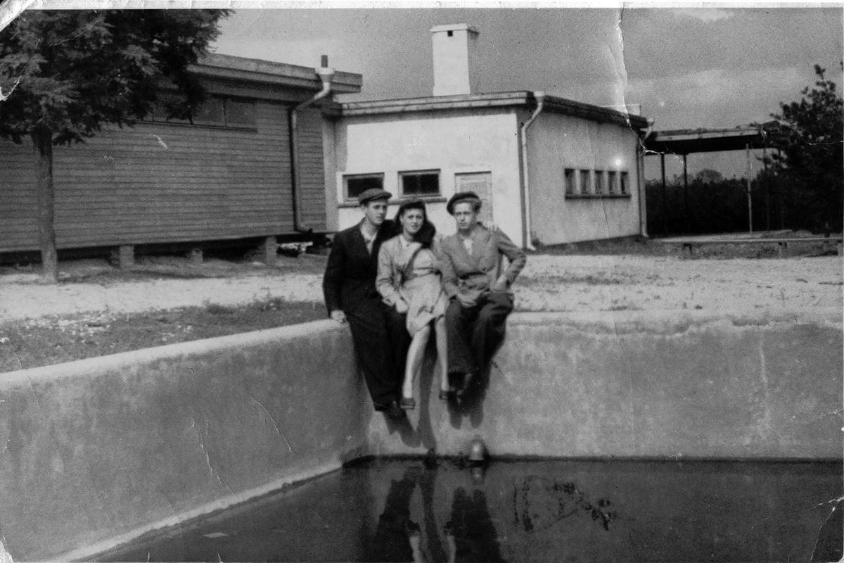 fot-h-porzycka-ochronka-i-basen-w-lasku-na-kole-czerwiec-1944