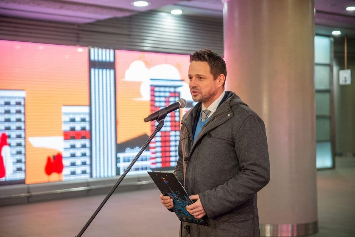 rafal-trzaskowski-prezydent-m-st-warszawy-podczas-briefingu-prasowego-2