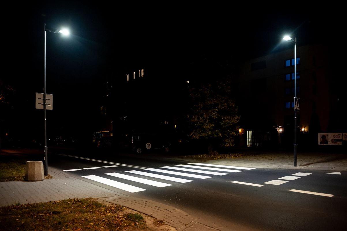 doswietlone-przejscie-dla-pieszych-u-zbiegu-ul-popularnej-i-wilczyckiej-fot-zdm-1