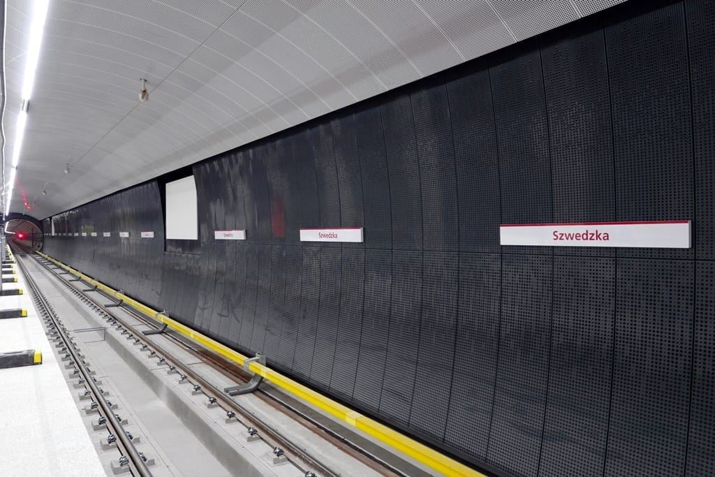 sciana-zatorowa-na-stacji-szwedzka