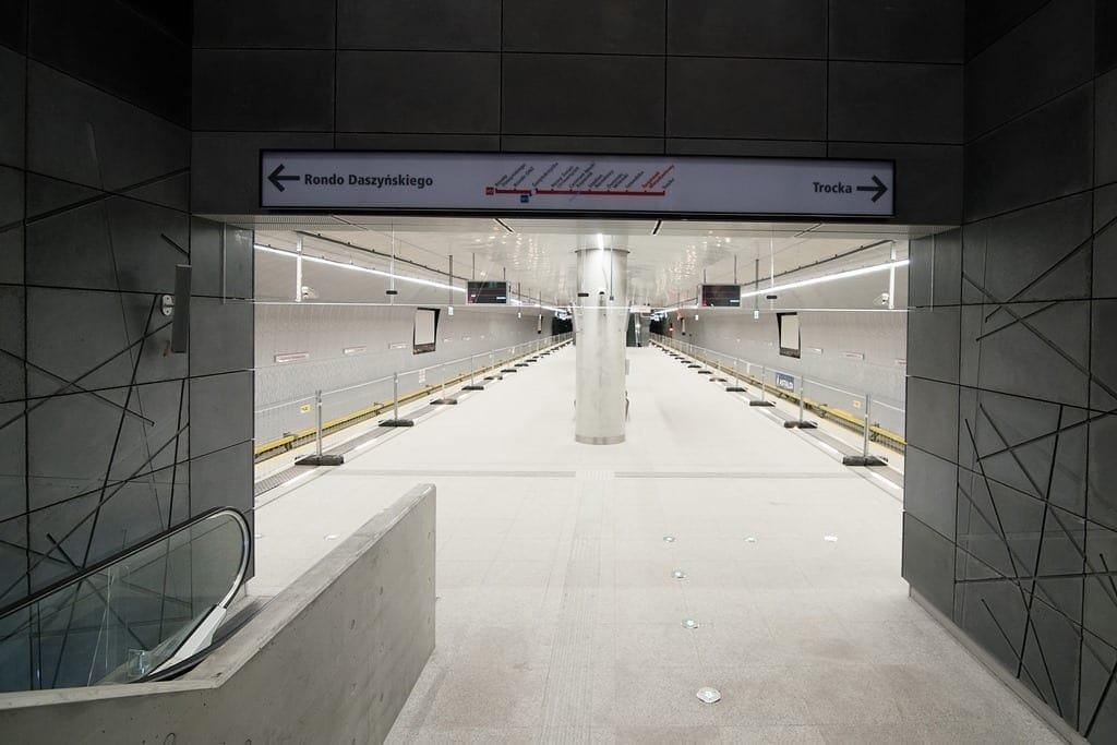 wejscie-na-peron-stacji-targowek-mieszkaniowy