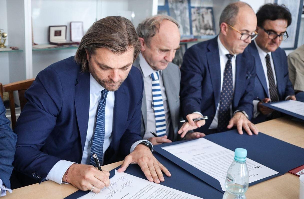 podpisanie-umowy-11-of-38