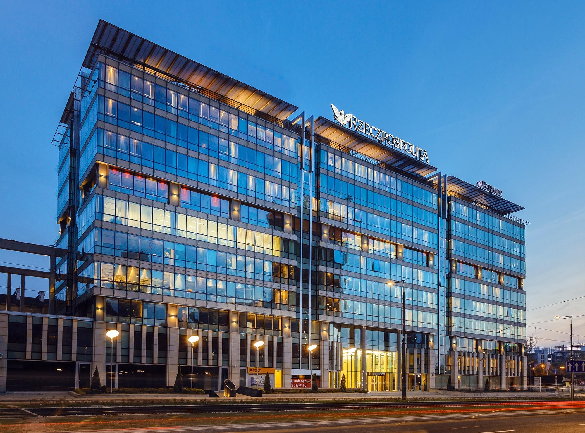 prosta-office-centre-photography-by-savills